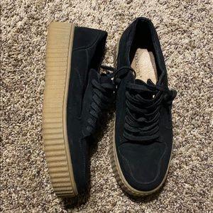 Black sneakers - 9 women's